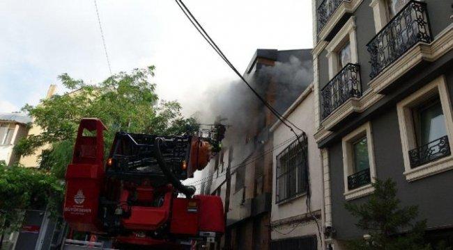 Son dakika… Dört katlı binada 'klima' yangını!