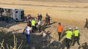 Son dakika:Aksaray- Adana karayolunda feci kaza! 30 kişi yaralandı