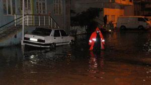 Manavgat'ta şiddetli yağış nedeniyle evleri su bastı