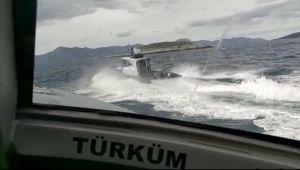 SON DAKİKA: Türk karasularını ihlal edenYunan botları uzaklaştırıldı